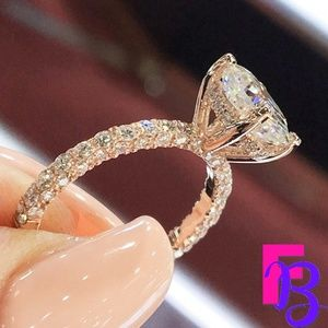 18k Gold 1 CT Oval Engagement Ring